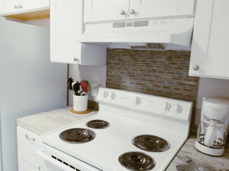 Click to enlarge image All new appliances - Tarpon Quarters - One bedroom, with king bed, one bath. LARGE condo with laundry, tile floors, Dog Friendly.Walk to the beach.
