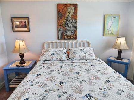 Click to enlarge image Adjustable queen bed! - Trout Quarters - 2 Bedroom townhouse 3 blocks from the beach