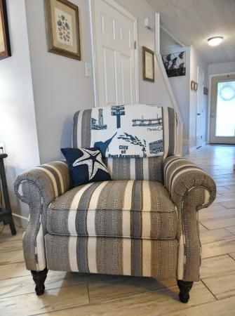 Click to enlarge image This easy chair reclines! - Trout Quarters - 2 Bedroom townhouse 3 blocks from the beach