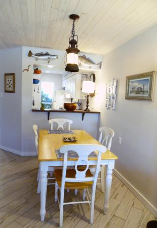 Click to enlarge image Open dining area - Trout Quarters - 2 Bedroom townhouse 3 blocks from the beach