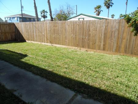 Click to enlarge image Room to roam - LOVE'S NEST - 2 BR 1 BA Lower Apartment. Walk to the beach!